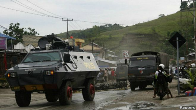 Indonesian police and military in Tolikara. Photo: BBC