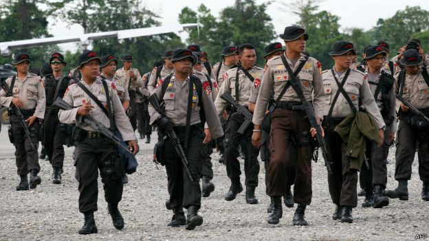 Armed Indonesian police in Tolikara