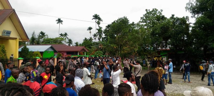 Indonesian troops arrest West Papuan people and raid their office for supporting the petition
