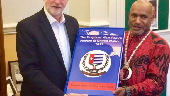 Benny Wenda presents West Papuan People's Petition to Jeremy Corbyn